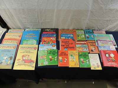 Mix lot of Charlie Brown books (30)