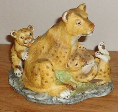LEOPARDS Mother & Cubs ceramic Figurine by Westminster made in Taiwan
