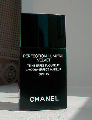CHANEL Perfection Lumiere Velvet 30 ml - 50 Beige