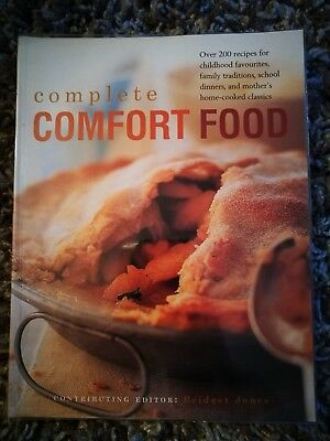 Complete Comfort Food Over 200 Recipes for Childhood Favourites... 9780857233646