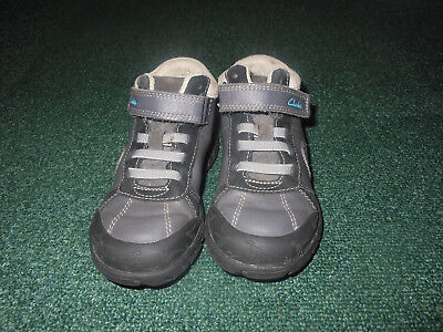 boys clarks shoes size 8.5 G infant, used, very good condition