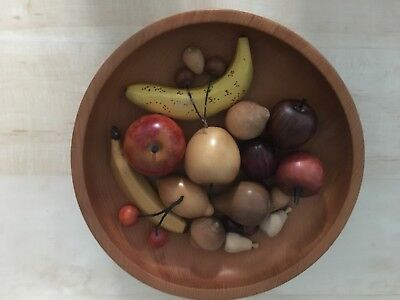 18 Pieces Of Wooden Fruit In A Beautiful Wooden Bowl