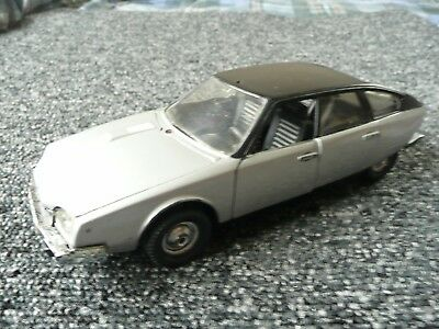 Polistil Citroen CX2200 in Silver with Black Roof, S38, 1:25 Scale
