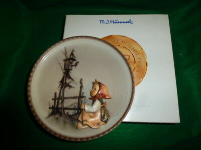 "Hummel Annual Plate  #297  ""Springtime Serenade "" NEW"