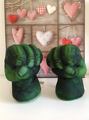 The Incredible Hulk Smash Hands / Fists With Sound Effects Marvel 2008