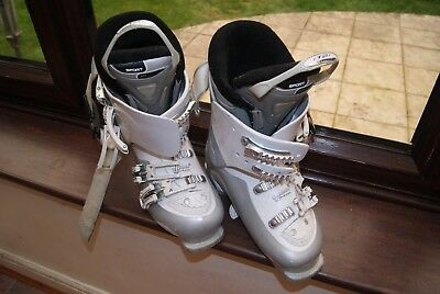 Atomic Ski Boots - White size 5 (104cm) Comfort Fit