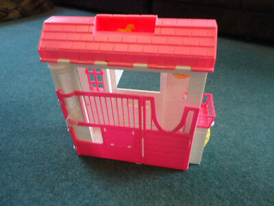 Vintage 1990s Barbie Horse stable and accessories