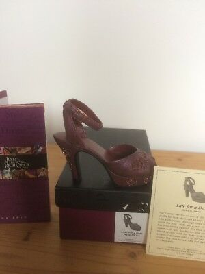 "Just The Right Shoe Raine ""Late For A Date "" Box & Coa"