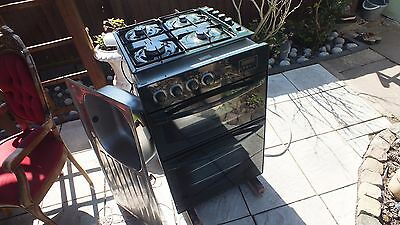 Diplomat 60x60 oven and 51x58 gas cooker