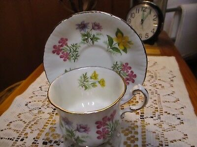 """Paragon by Appointment Queen TEA CUP & SAUCER """"English Flowers"""", Multicolored"""