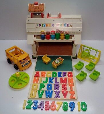 VINTAGE Fisher Price Little People #923 PLAY FAMILY SCHOOL 100% complete & Bus