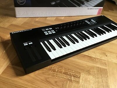 Native Instruments Komplete Kontrol S49 Controller - mint/unregistered!