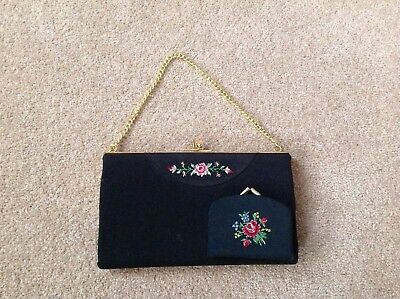 Vintage Black 1940/1950s evening bag with embroidered detail and coin purse