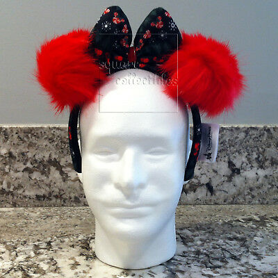 Disney Parks Minnie Mouse Holiday Christmas Sweater Fuzzy Bow Ears Headband