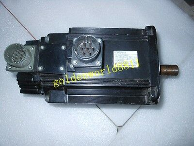 Yaskawa servo motor SGMG-13A2ABC good in condition for industry use