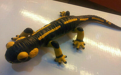 Bullyland Retired Fire salamander huge PVC Figure RARE