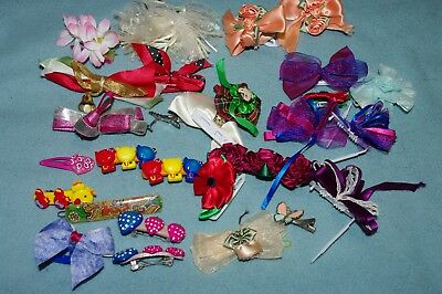 LARGE GROUP OF  LITTLE GIRLS  hair clips and barrettes  ALL COLORS 29 TOTAL