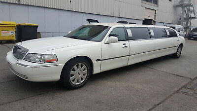 """2004 Lincoln Town Car Stretchlimousine 120"""" Weiss"""