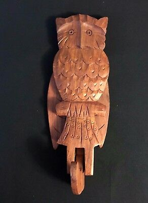Vintage Novelty Carved Wooden Owl Figurine Wall Hanging Hook Moving Wings - RF3