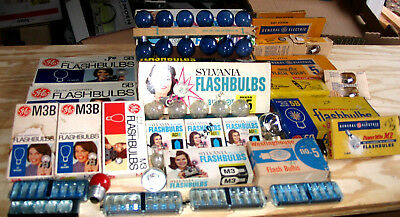 Large Lot of over 150 Unused Flashbulbs- Many Different Brands
