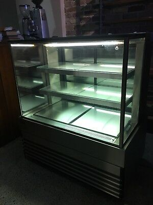 Koldtech KT.SQRCD.12 Square Glass Refrigerated Cake Display 3 Fixed Shelves