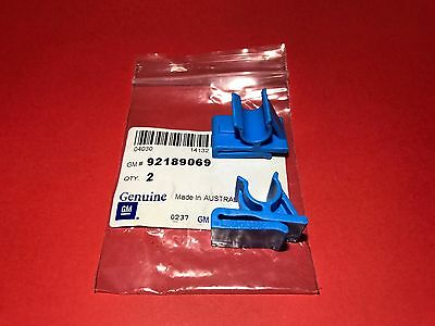 92189069 Genuine Holden New 2 x Glove Box Blue Retaining Clips VZ Commodore