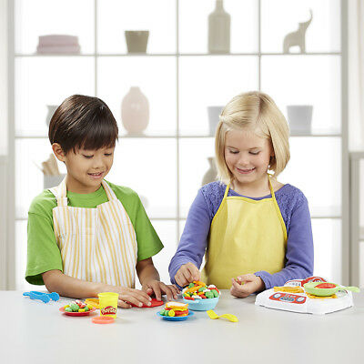 Play-Doh Kitchen Creations Sizzlin' Stovetop - NEW
