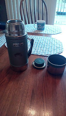 Aladdin Stanley Green Widemouth Pint Thermos with handle.