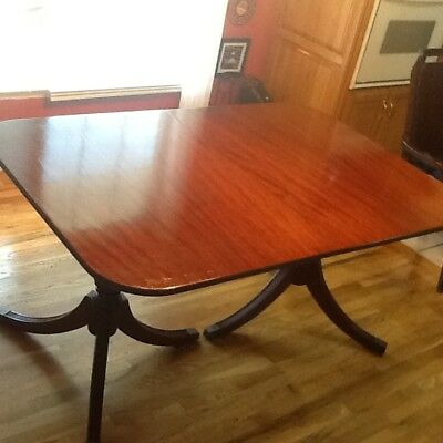"Very Rare Duncan Phyfe dining  table with "" hidden leaf"""