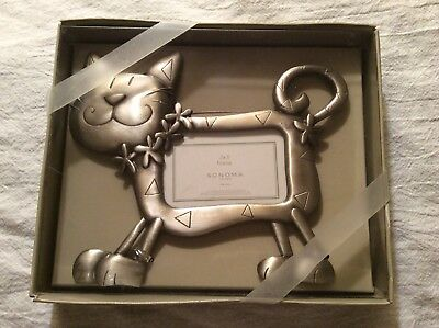 "Kitty Cat Shaped Metal Picture Frame Size 2 x 3"" Photo Display - New in Box"