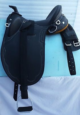 full black stock synthetic saddle 17'' with acessories