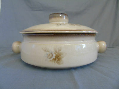 Denby Memories 2 pint casserole dish with lid