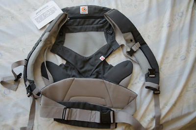 Ergo Baby Carrier Performance 360 Carbon Grey New.