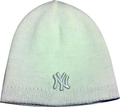 Official MLB New York Yankees Winter Knitted Beanie Hat. New with tags