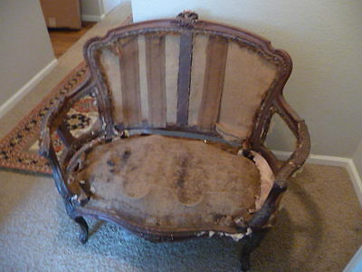 Country French Settee