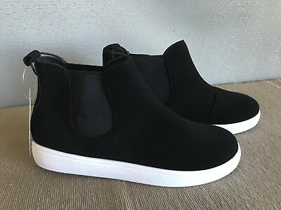 BNWT Older Girls Sz 5 Target Black and White Suede Look Elastic Side Ankle Boots