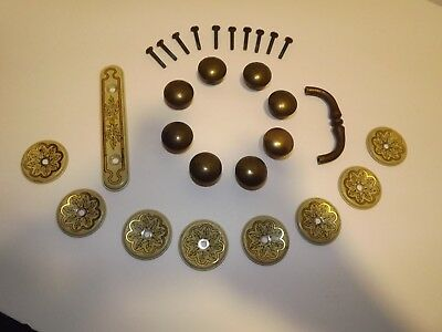 VTG Set of 8Used MetalFurniture Knobs/Back Plates and 1 Pull With Back Plate.