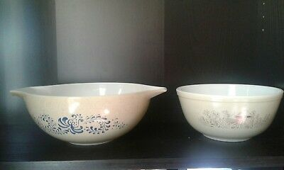 PYREX Lot of (2) Vintage Bowls FREE SHIPPING