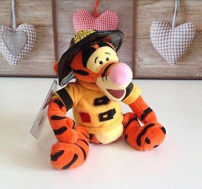 Disney Store Exclusive Collectibles FIREMAN TIGGER Winnie the Pooh Beanie Bear💕