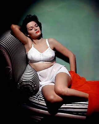 Jane Russell Actress And Sex-Symbol Pin Up - 8X10 Publicity Photo (Op-577)