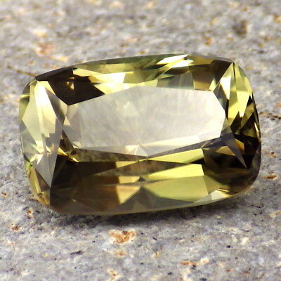 GREEN DICHROIC SCHILLER OREGON SUNSTONE 17.56Ct FLAWLESS-LARGE-UNUSUAL COLOR!