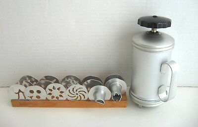 Vtg ~ Mirro Cookie & Pastry Press - 12 Discs & 3 Tips In Wood Rack  -  Vg Cond
