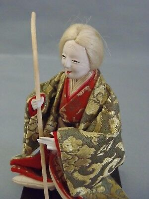 MINIATURE CARVED WOODEN AGED LADY c1940's #19