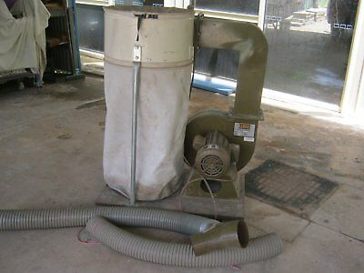 DUST EXTRACTOR, 2HP. Works Perfectly. Comes With Fittings and hoses