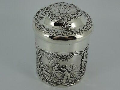 Superb William Comyns Solid Sterling Silver Embossed Tea Caddy London 1899 153G