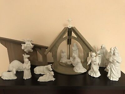 16 piece Avon Nativity White Porcelain Bisque Set in Boxes with Stable