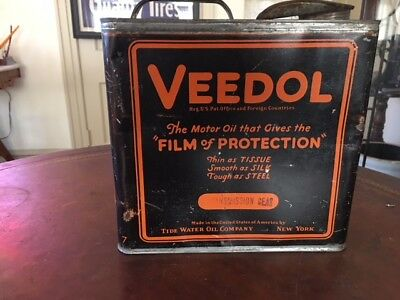 1920's Veedol 1 Gallon Oil Can