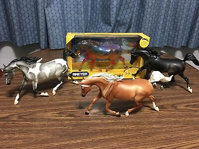 Breyer Model Horse Treasure Hunt Collection Set, 4 Models.