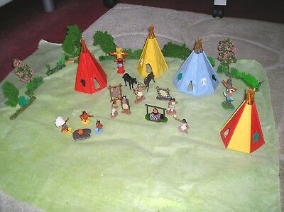 1:32 Timpo Teepees And Various Other Pieces - Indian Encampment With Figures