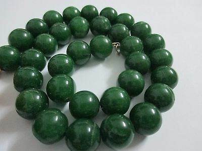 95 gr.Vintage Natural Chinese Jade Beads Necklace Dark Green Antique Rare .